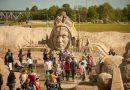 Broliukai kviečia į Smėlio skulptūrų festivalį Jelgavoje