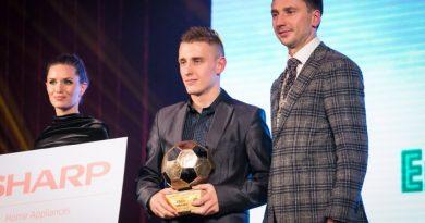Futbolo apdovanojimų šventėje apdovanojimus susižėrė šiauliečiai