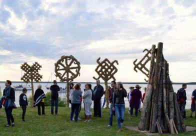 Tūkstančiai šiauliečių Jonines šventė Rėkyvos ežero pakrantėje ir prie Žaliūkių vėjo malūno